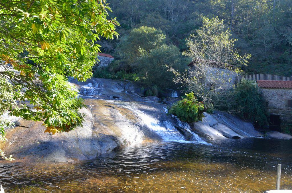 Los molinos del río Barosa y la fervenza de Segade, próximo reto para las andainas universitarias