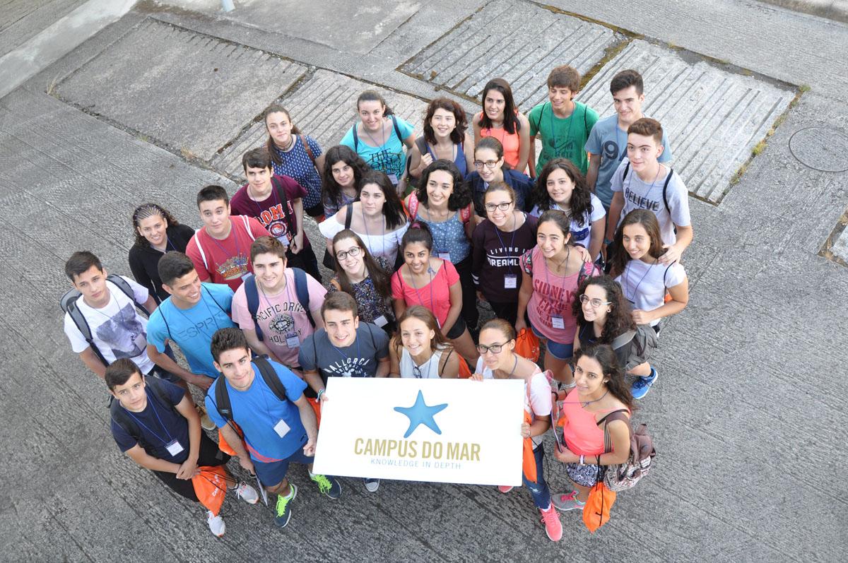 Bautismo científico mariño para 118 rapaces e rapazas de toda España