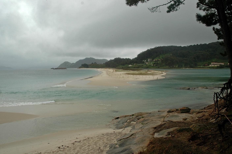 A forza do temporal batendo contra as illas Cíes
