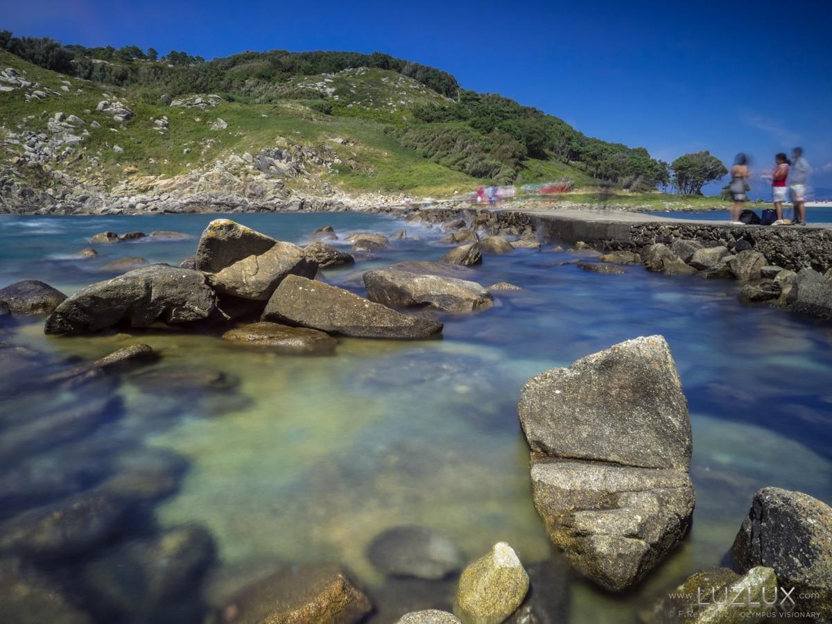 """Serenidad y comunicación en el dique de la """"lagoa dos Nenos"""" de las islas Cíes"""