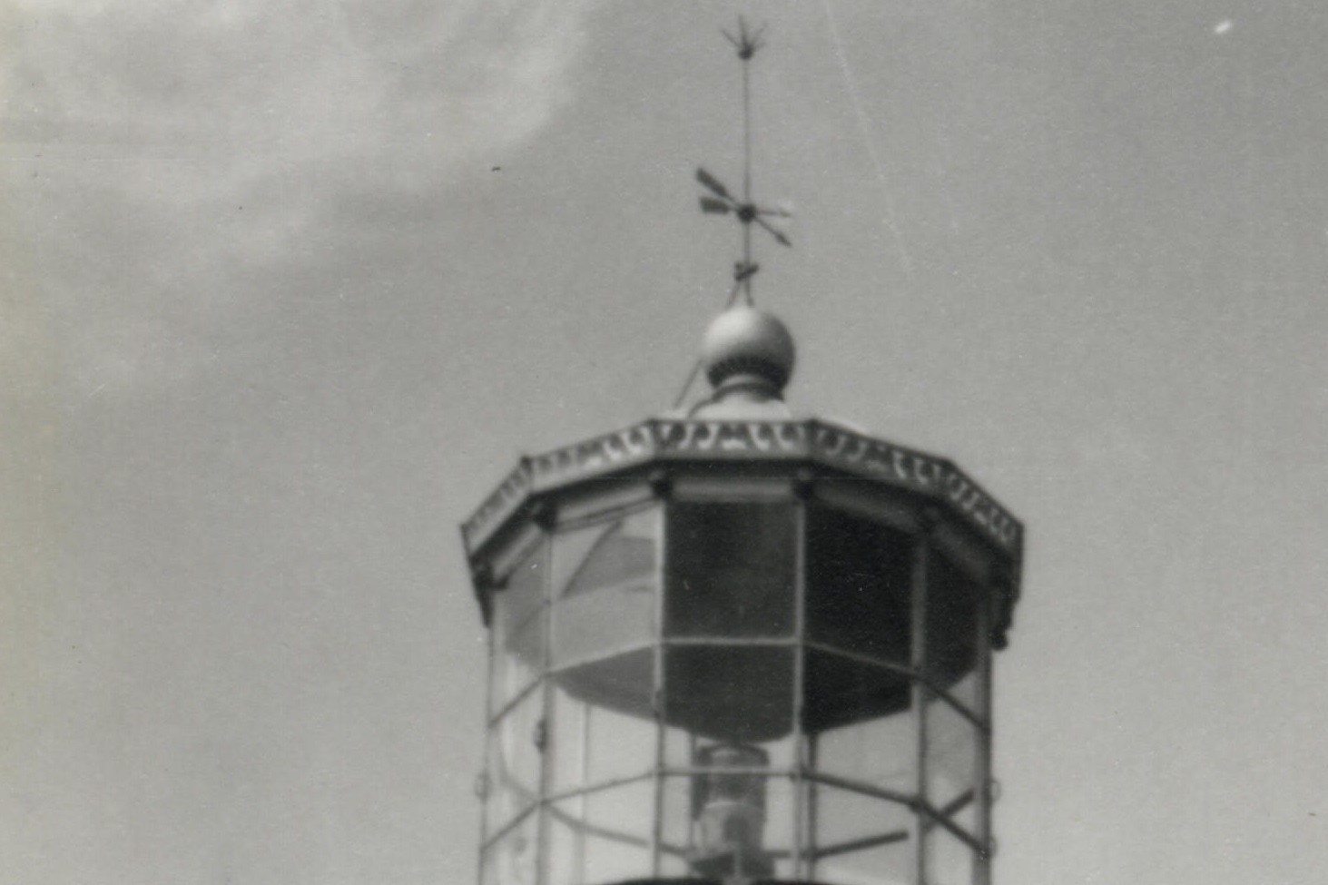 Detalle lanterna do faro de Cíes en 1972