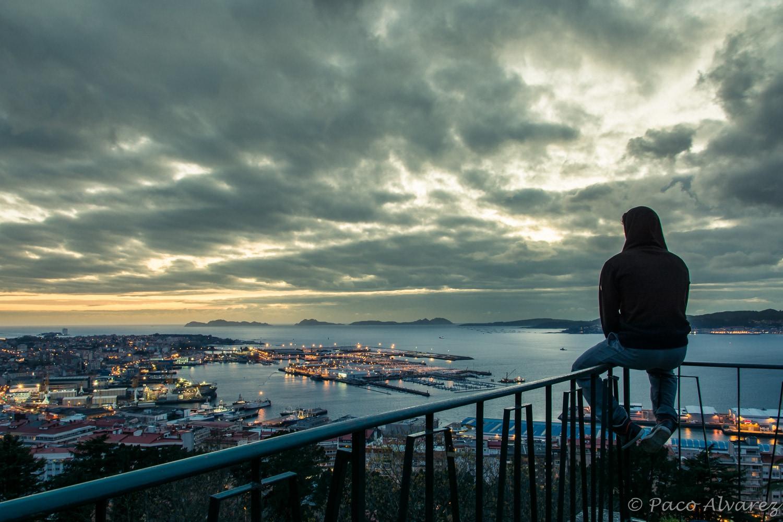 Ría de Vigo e islas Cíes desde el monte do Castro de Vigo