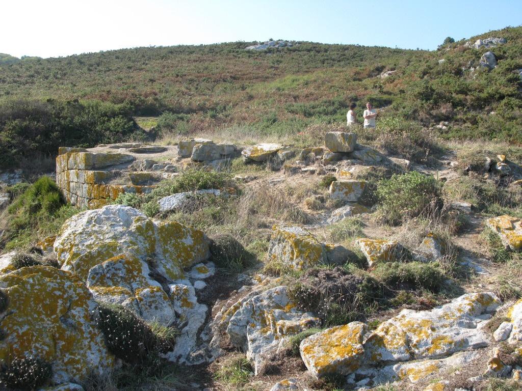 """Castelo da Roda ou Punta do Castelo. Os seus lugares.""""Ons: unha illa habitada"""". Capítulo 4 (VIII)"""