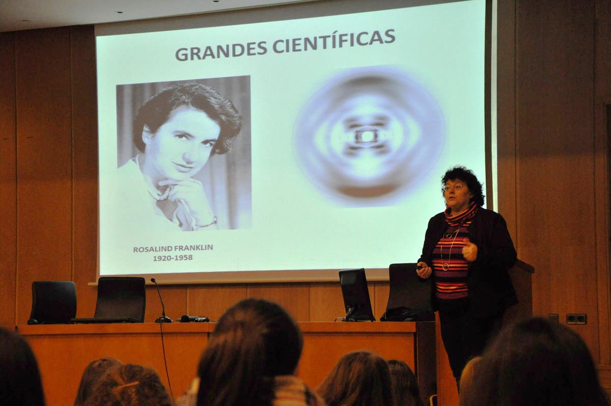 120 miradas curiosas para fornecer un futuro en feminino para a ciencia e a tecnoloxía