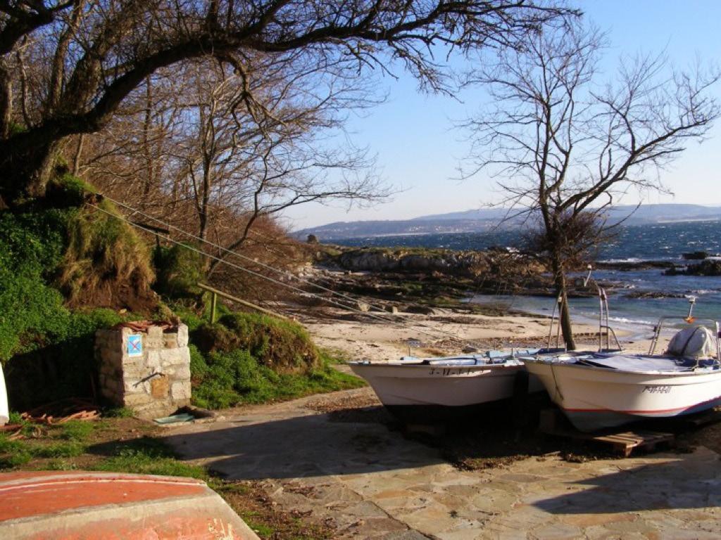 """Fonte da praia de Curro. Os seus lugares. """"Ons: unha illa habitada"""". Capítulo 4 (XXXIII)"""