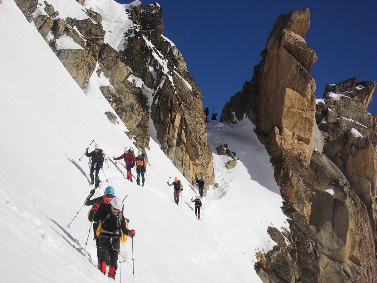 A Universidade e o Club Peña Trevinca colaborarán na promoción dos deportes de montaña