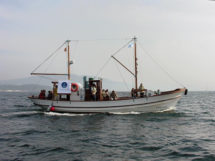 """Avistamento de aves mariñas e cetáceos. Saídas 2018 no """"Chasula"""""""